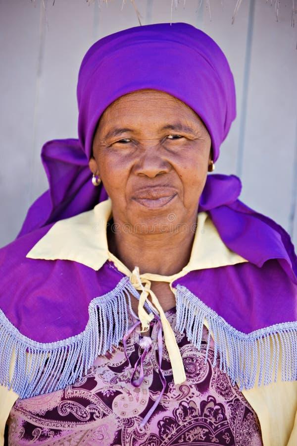 Mujer africana mayor fotografía de archivo libre de regalías