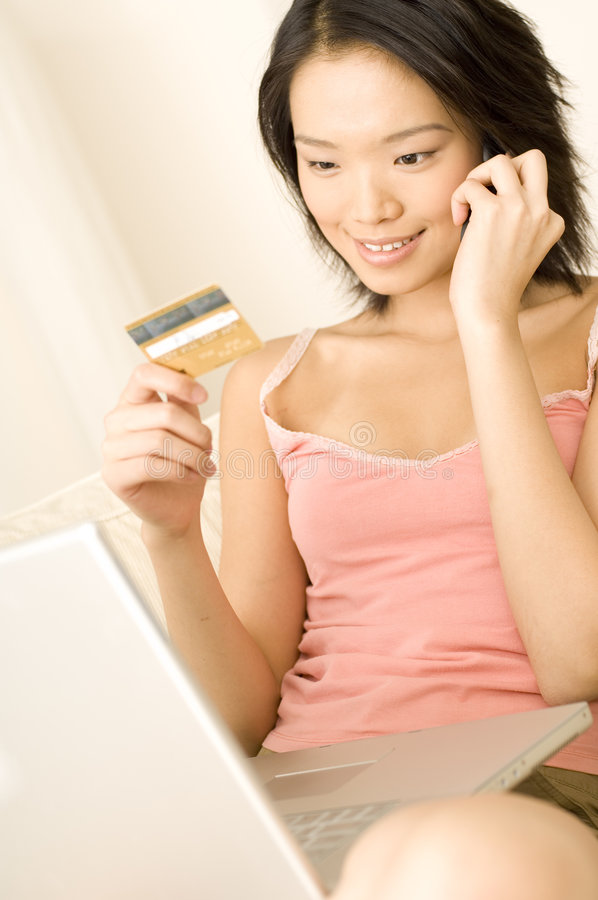 Download Mujer Asiática Con De La Tarjeta De Crédito Imagen de archivo - Imagen de muchacha, hembra: 1288771