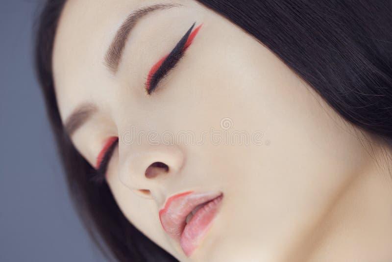 Mujer asiática de la belleza con maquillaje creativo Retrato del primer imágenes de archivo libres de regalías