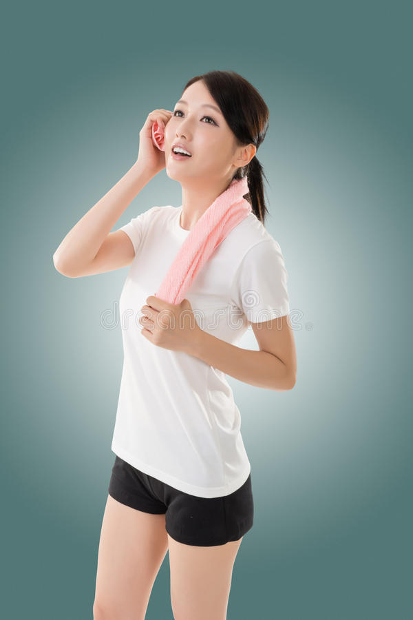 Mujer asiática deportiva foto de archivo