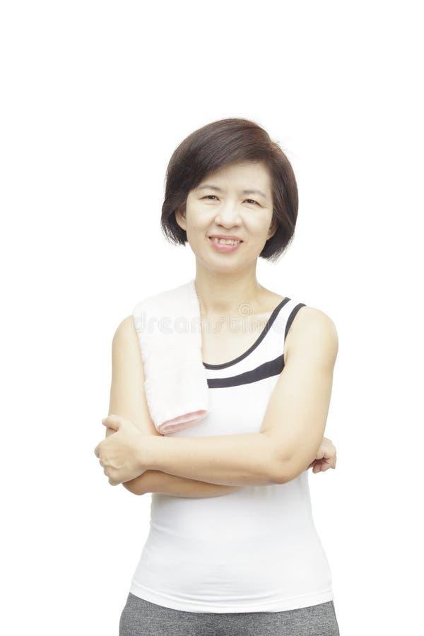 Mujer asiática envejecida centro sano de la aptitud imagen de archivo libre de regalías