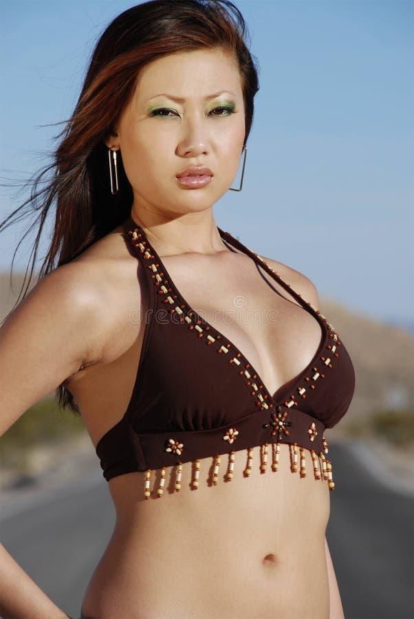 Mujer asiática imponente fotos de archivo libres de regalías