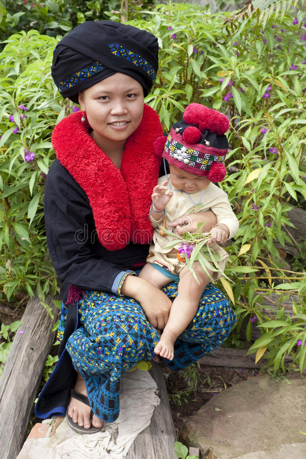 Mujer asiática, Yao, de Laos fotos de archivo