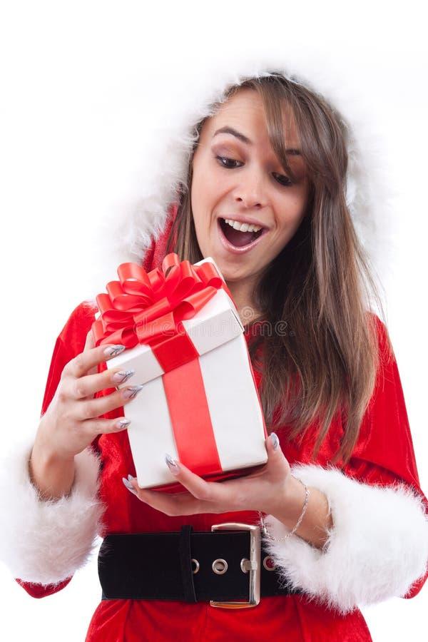 Mujer atractiva con el sombrero de Santa foto de archivo