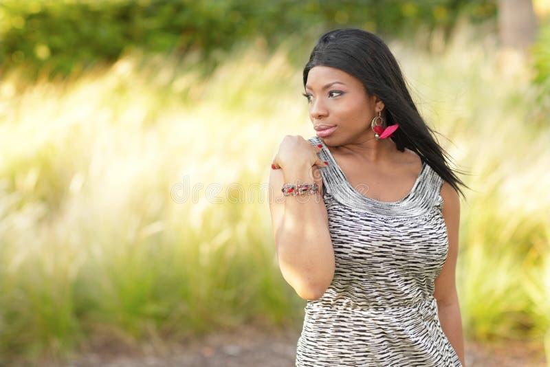 Mujer atractiva del afroamericano fotos de archivo libres de regalías