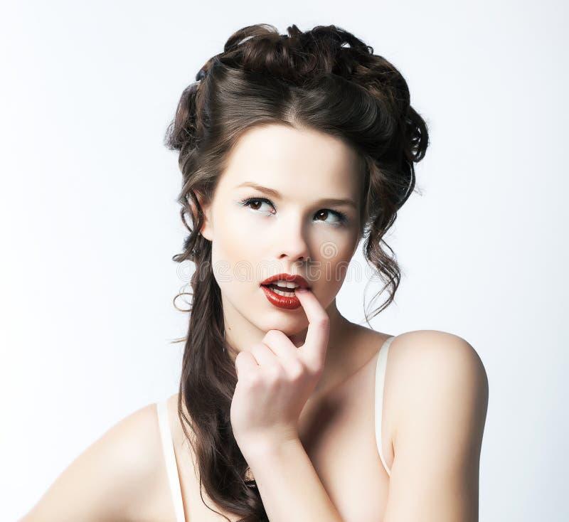Atractivo puro. Retrato de la mujer de invitación atractiva. Refinamiento y sofisticación fotografía de archivo