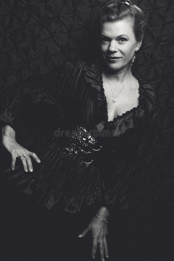 Mujer bastante madura fotos de archivo libres de regalías