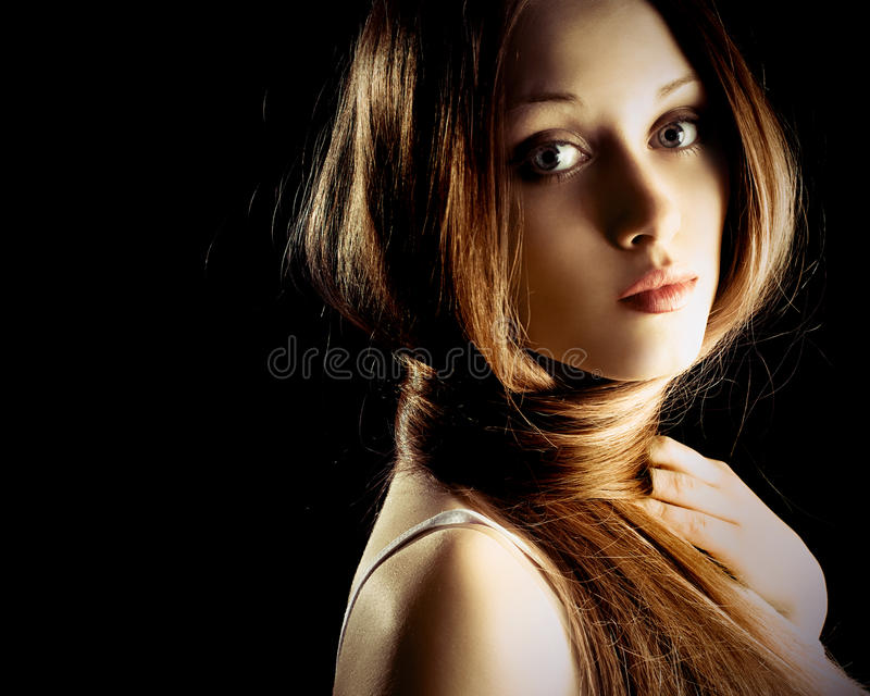 Mujer bonita con el pelo muy largo fotografía de archivo libre de regalías