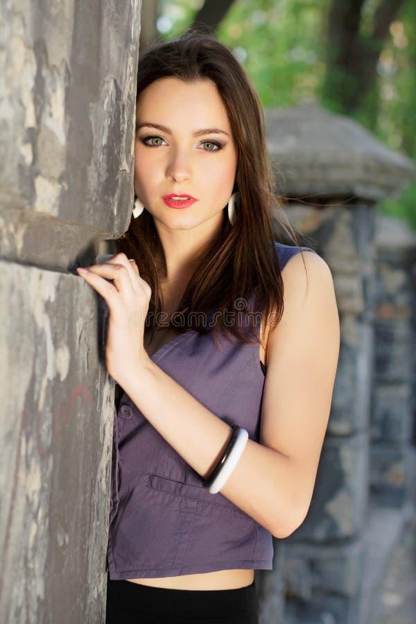 Mujer bonita joven fotos de archivo