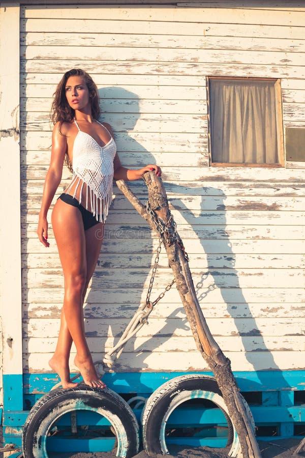 Mujer caliente de la moda del verano imagen de archivo libre de regalías