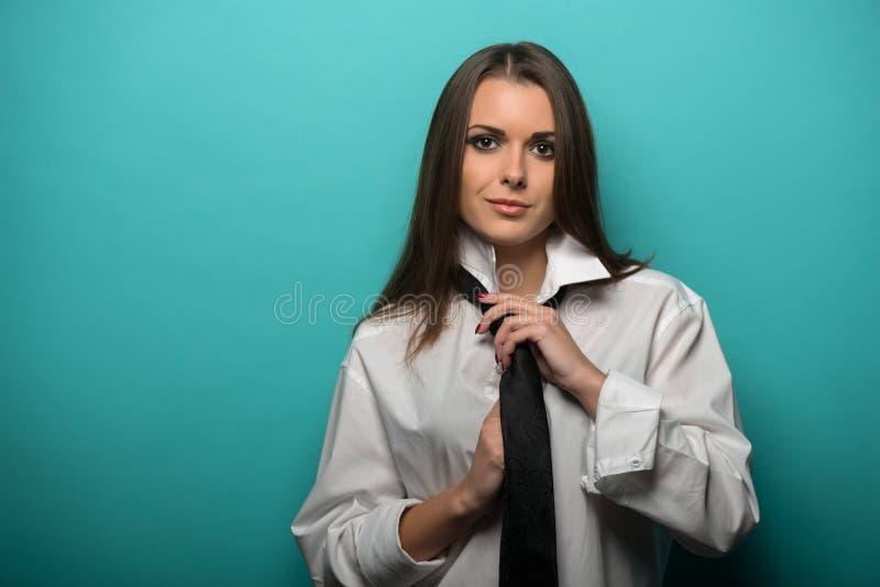 Mujer caucásica joven atractiva imágenes de archivo libres de regalías
