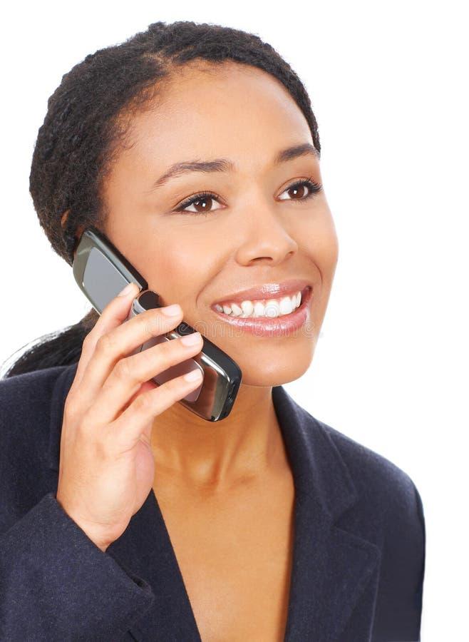 Mujer con celular fotografía de archivo libre de regalías