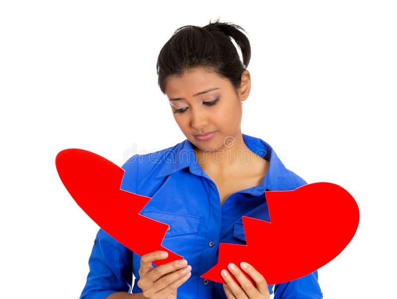 Mujer con el corazón quebrado imágenes de archivo libres de regalías