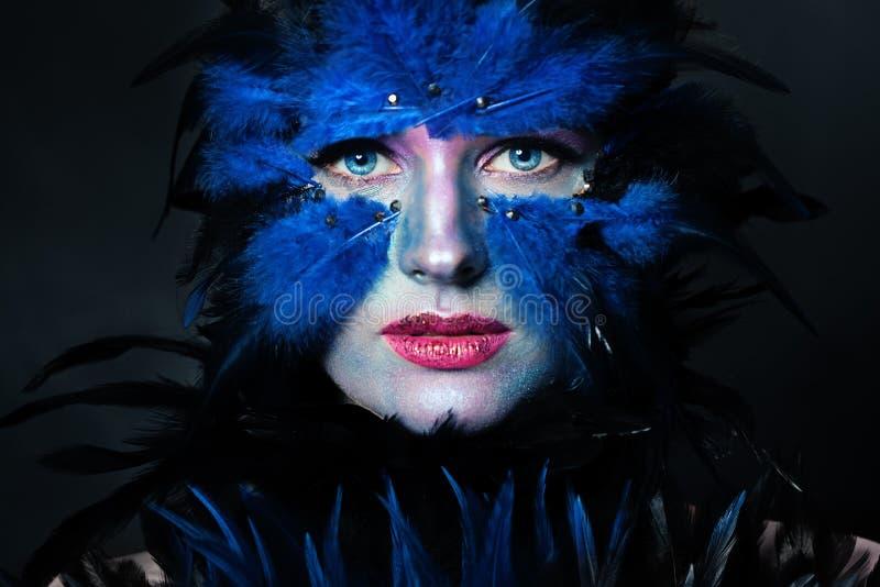 Mujer con el maquillaje de Halloween E imagenes de archivo