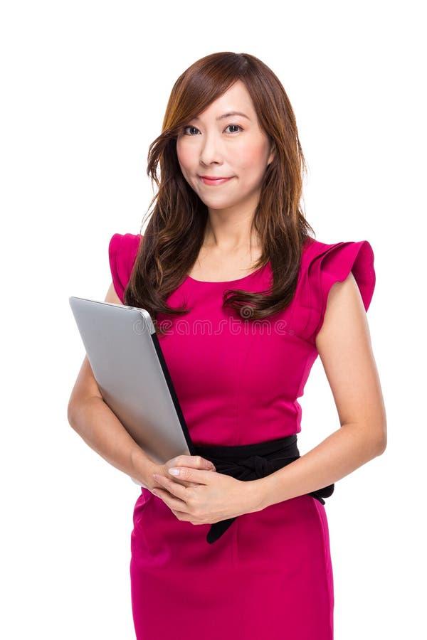 Download Mujer Con El Ordenador Portátil Foto de archivo - Imagen de señora, fondo: 42442216