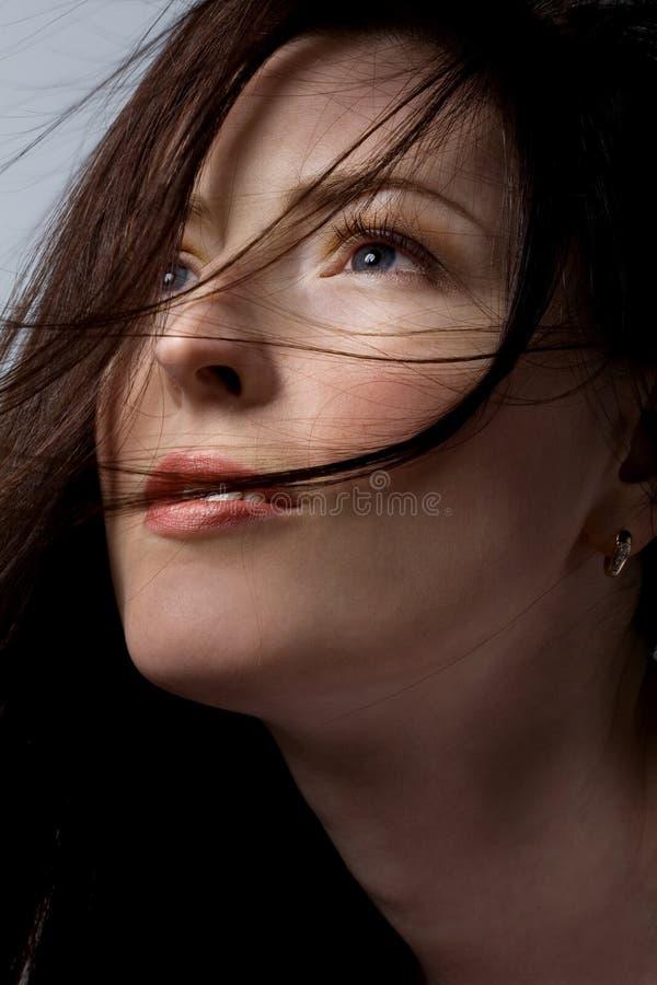 Mujer con el pelo hermoso fotos de archivo