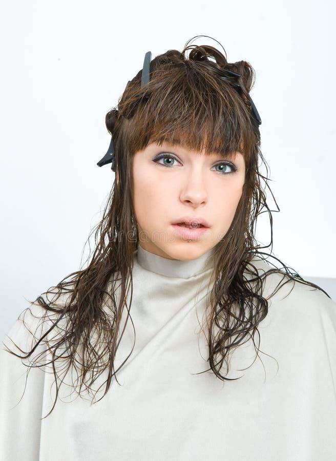 Mujer con el pelo mojado imagen de archivo libre de regalías