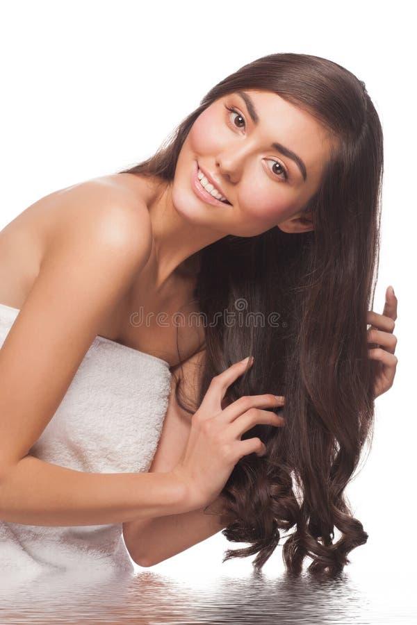 Mujer con el pelo sano fotos de archivo