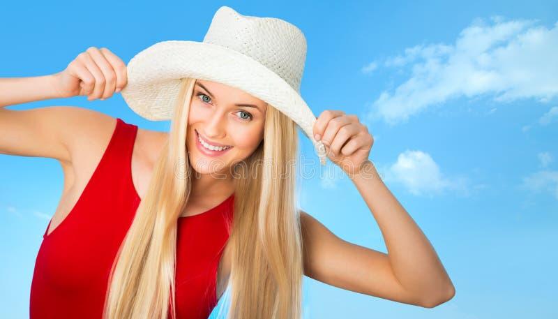Download Mujer con el sombrero foto de archivo. Imagen de manos - 42430854