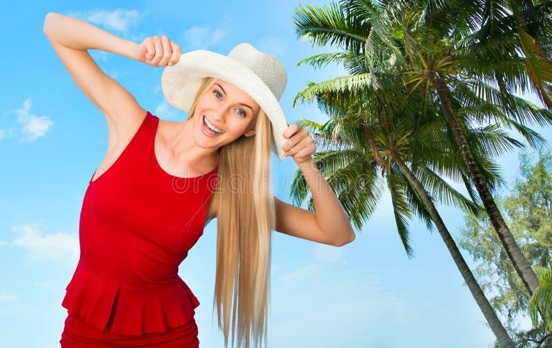 Download Mujer con el sombrero imagen de archivo. Imagen de relaje - 42430875