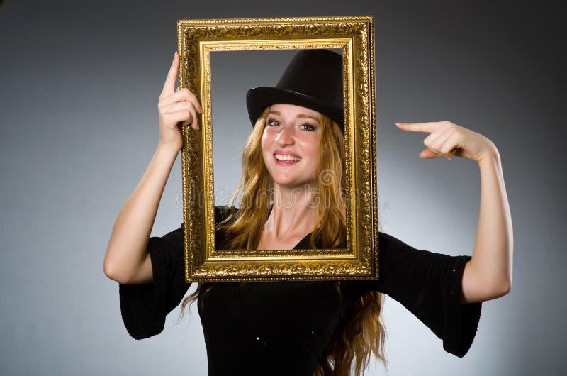 Mujer con el sombrero del vintage fotografía de archivo