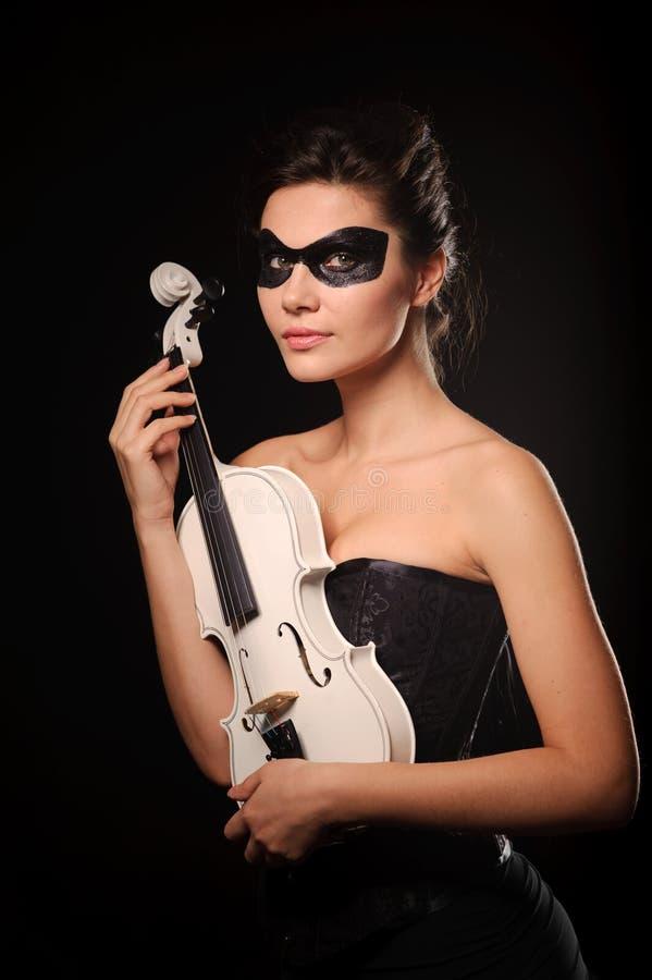 Mujer con el violín imagen de archivo