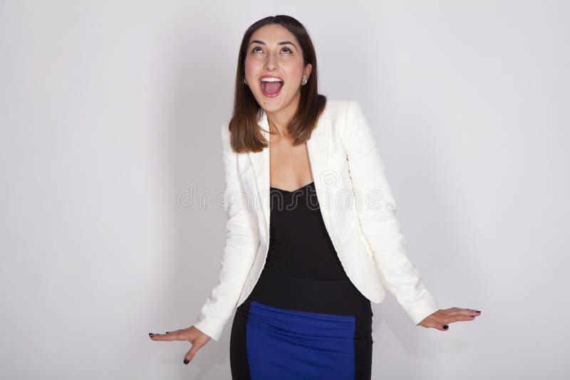 Mujer con expresiones activas imagen de archivo
