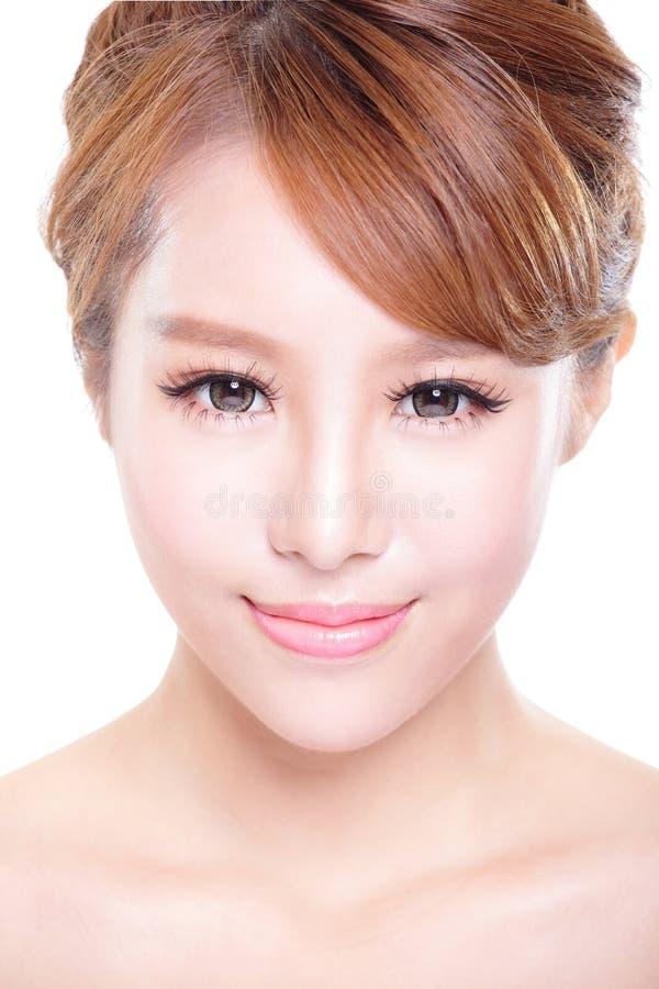 Mujer con la cara de la belleza y la piel perfecta imagen de archivo