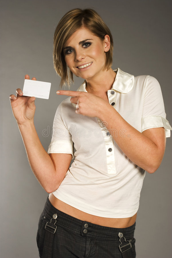 Mujer con la tarjeta imagenes de archivo