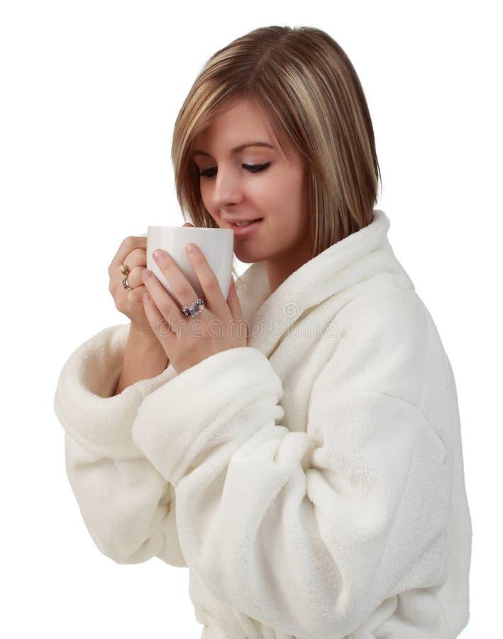 Mujer con la taza de café imagen de archivo libre de regalías