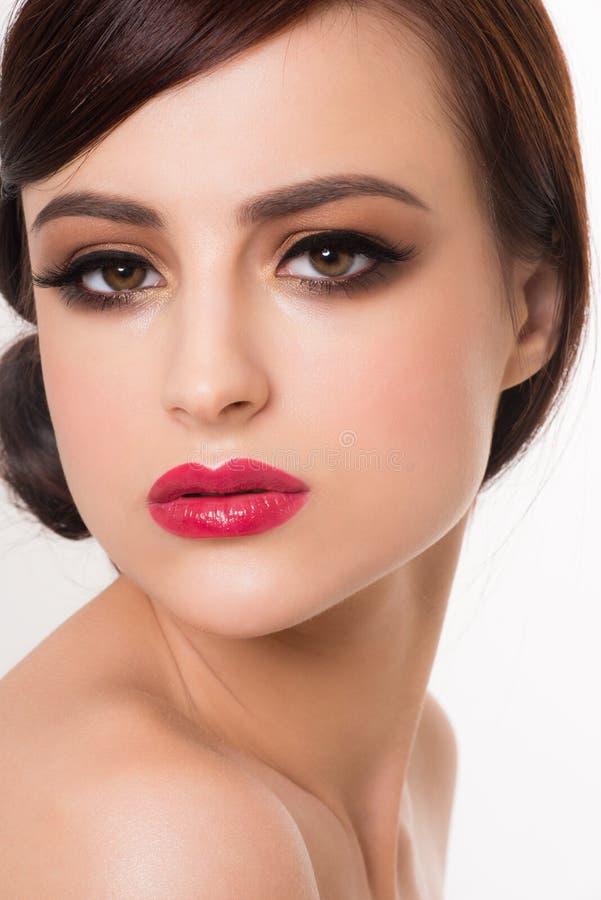 Mujer con maquillaje de la manera fotos de archivo libres de regalías