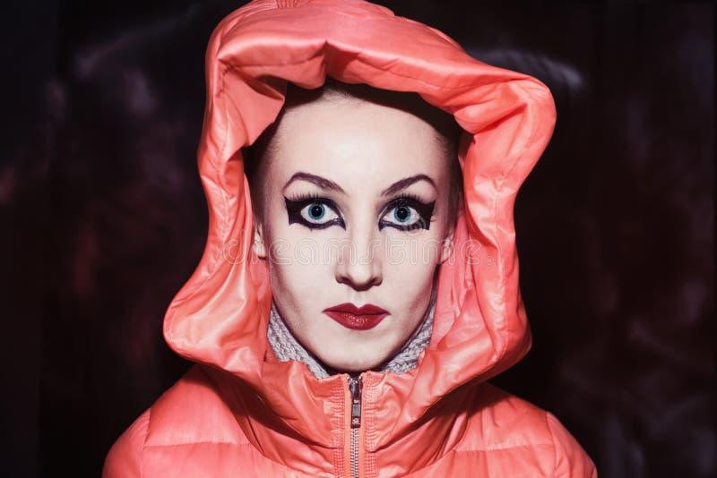Mujer con maquillaje en estilo gótico fotografía de archivo libre de regalías