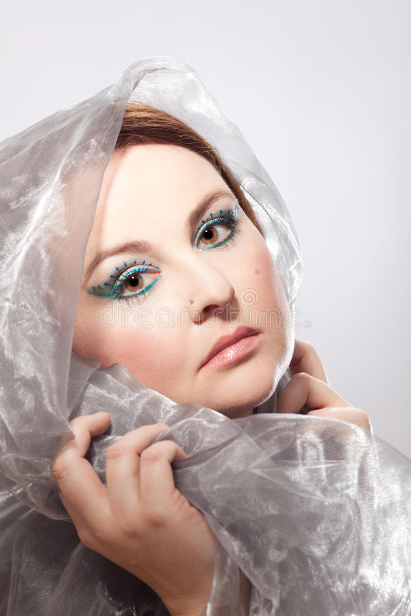 Mujer con maquillaje llamativo fotografía de archivo