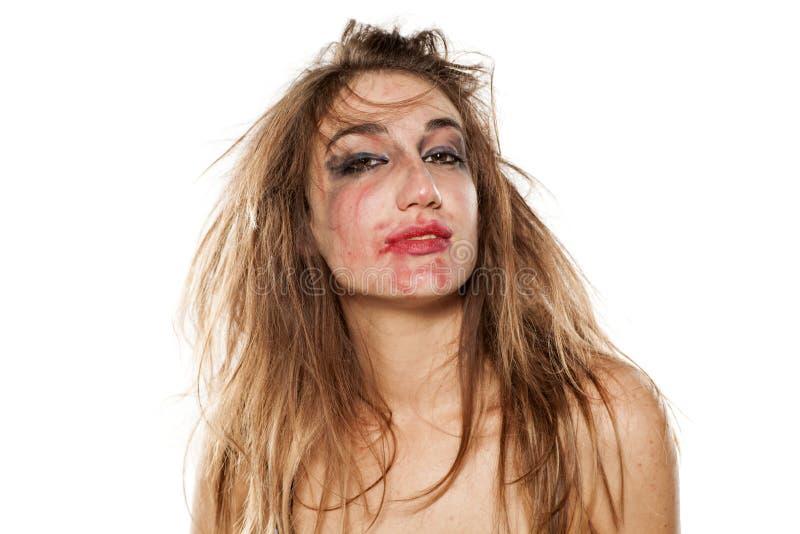 Mujer con maquillaje manchado imagen de archivo libre de regalías