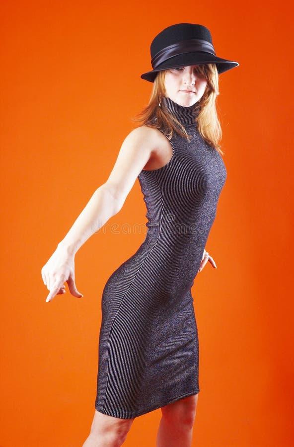 Mujer con una actitud foto de archivo libre de regalías