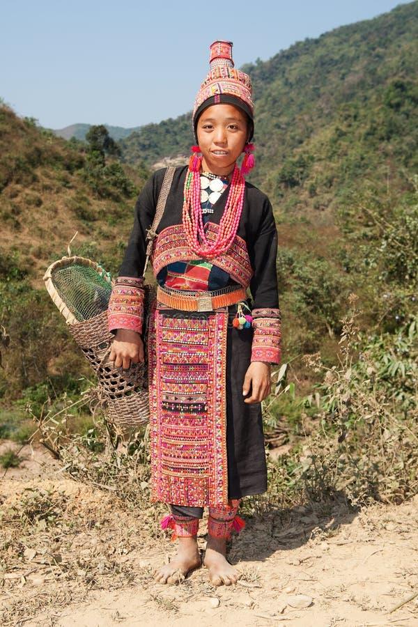 Mujer de Akha en Laos imagenes de archivo