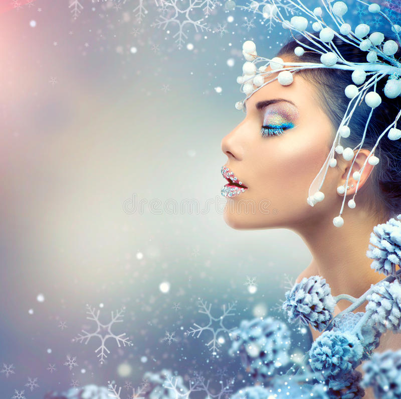 Mujer de la belleza del invierno fotografía de archivo