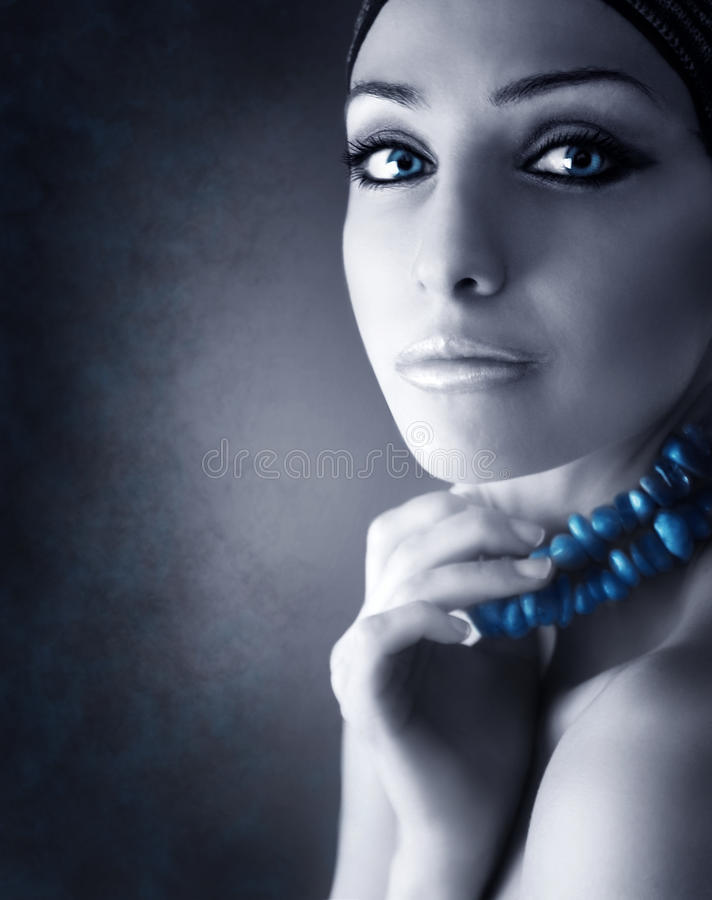 Mujer de la belleza del retrato imagen de archivo