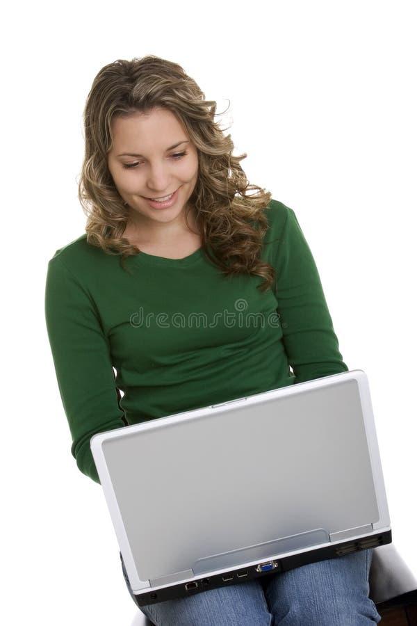 Mujer de la computadora portátil imagen de archivo libre de regalías