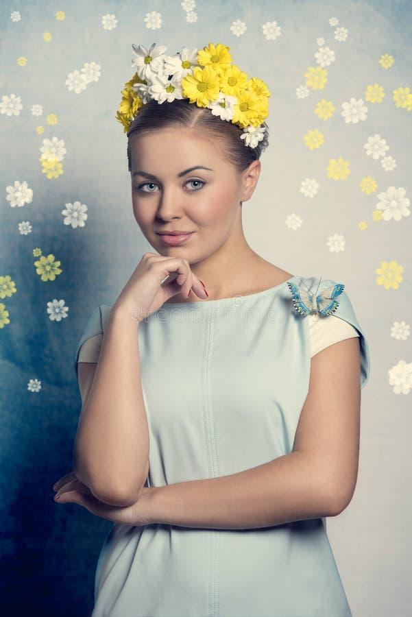 Mujer de la inspiración de la primavera foto de archivo