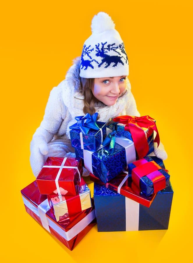 Mujer de la Navidad. Año Nuevo y la Navidad hermosos foto de archivo libre de regalías