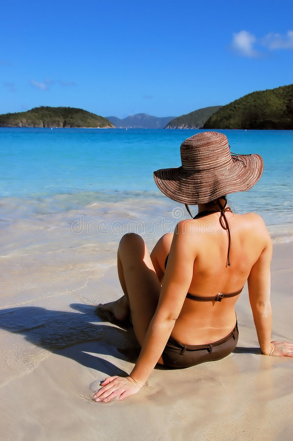 Mujer de la playa fotografía de archivo libre de regalías