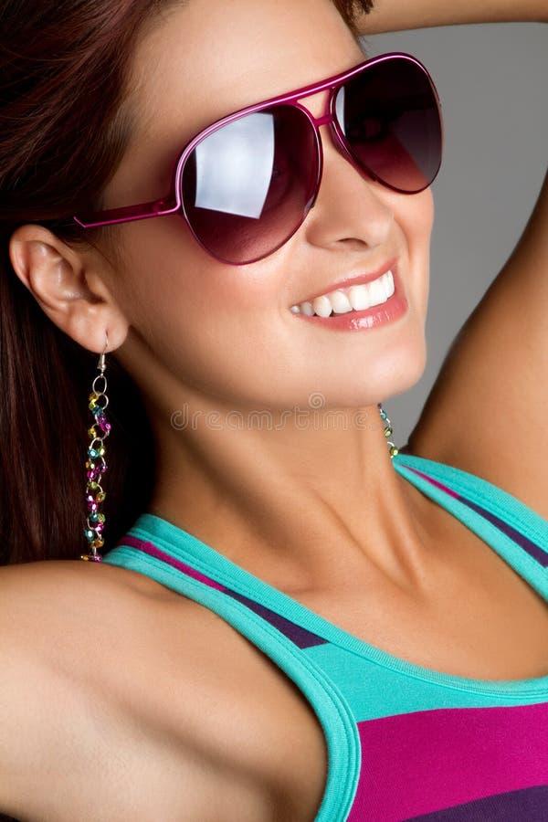 Mujer de las gafas de sol fotos de archivo
