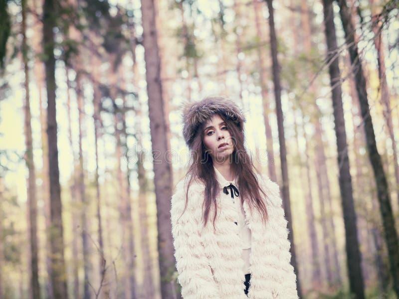 Mujer de moda fotos de archivo libres de regalías