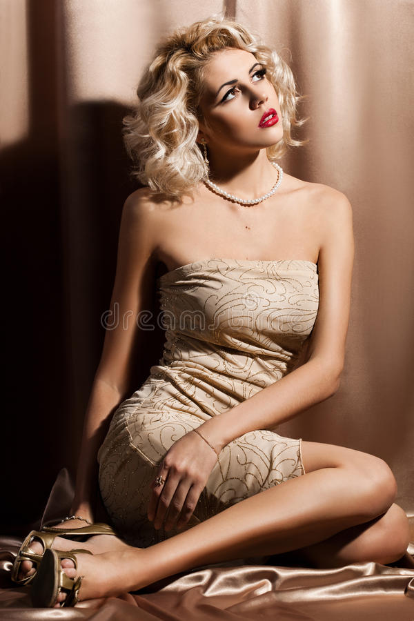 Mujer de moda hermosa fotografía de archivo