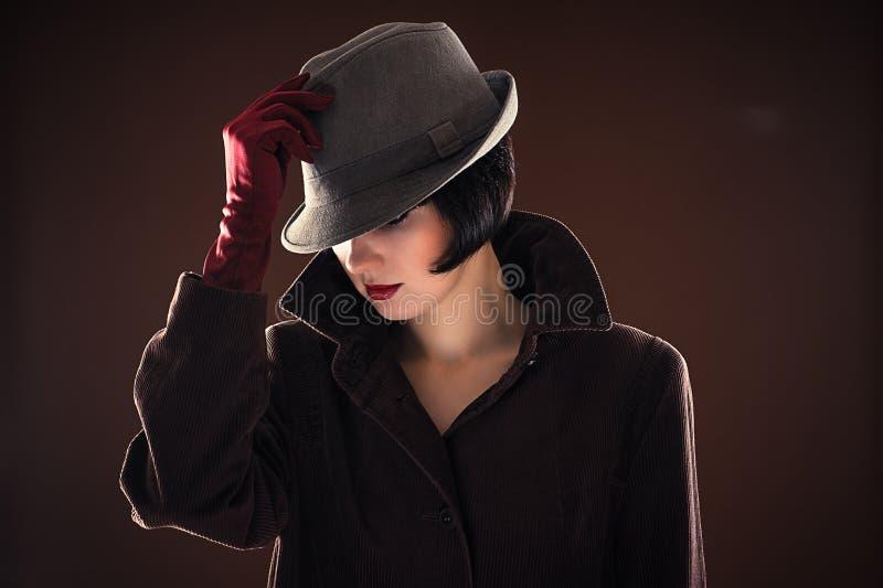 Mujer de moda hermosa del retrato foto de archivo libre de regalías