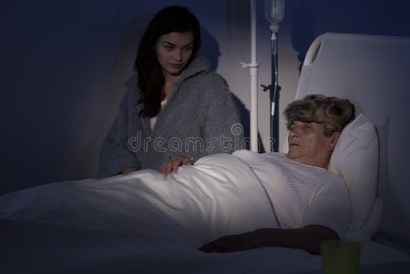 Mujer de muerte en el hospicio fotografía de archivo