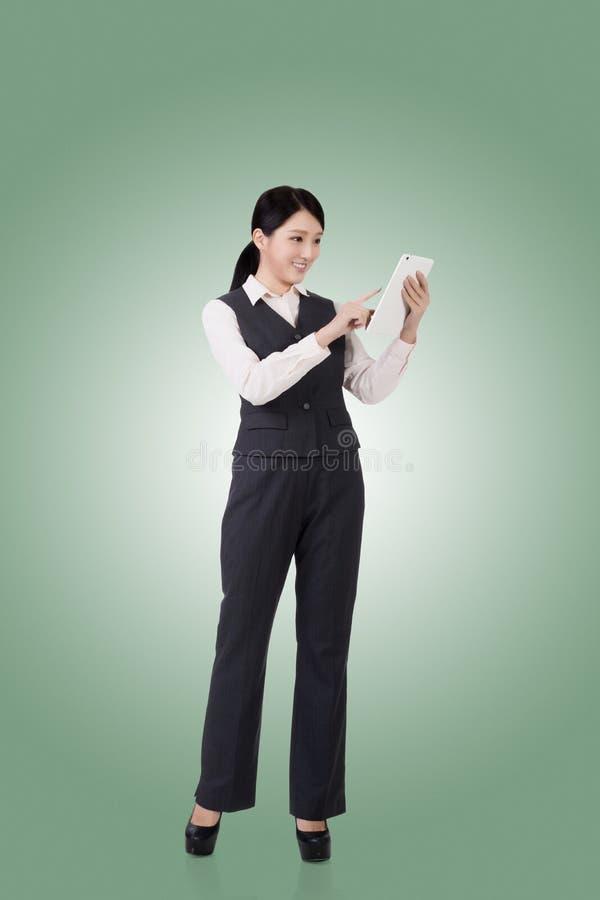 Mujer de negocios asiática confidente fotografía de archivo libre de regalías