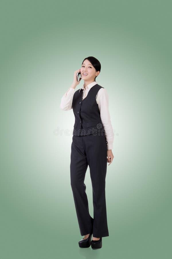 Mujer de negocios asiática confidente fotos de archivo