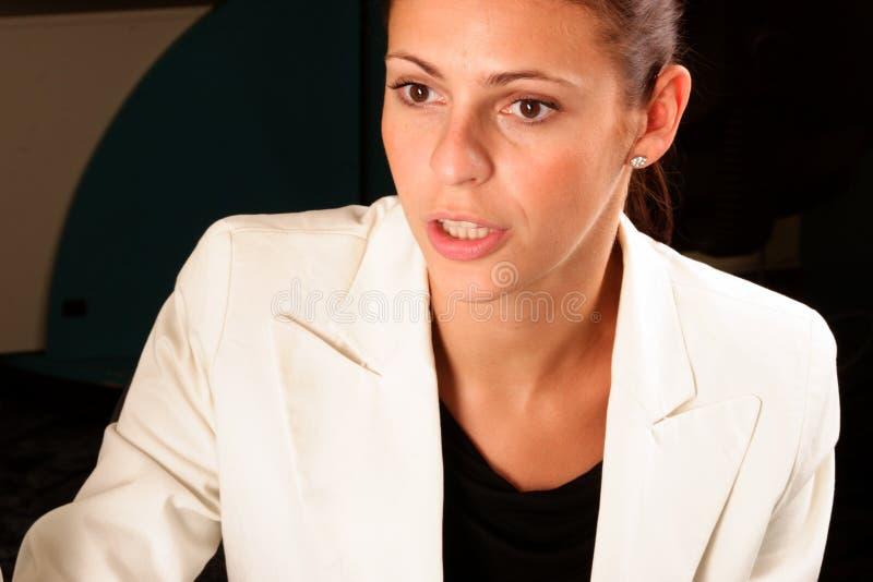 Mujer de negocios bastante confidente fotos de archivo